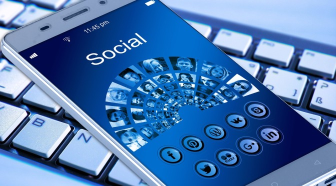 4 Online Strategies To Stand Out On Social Media