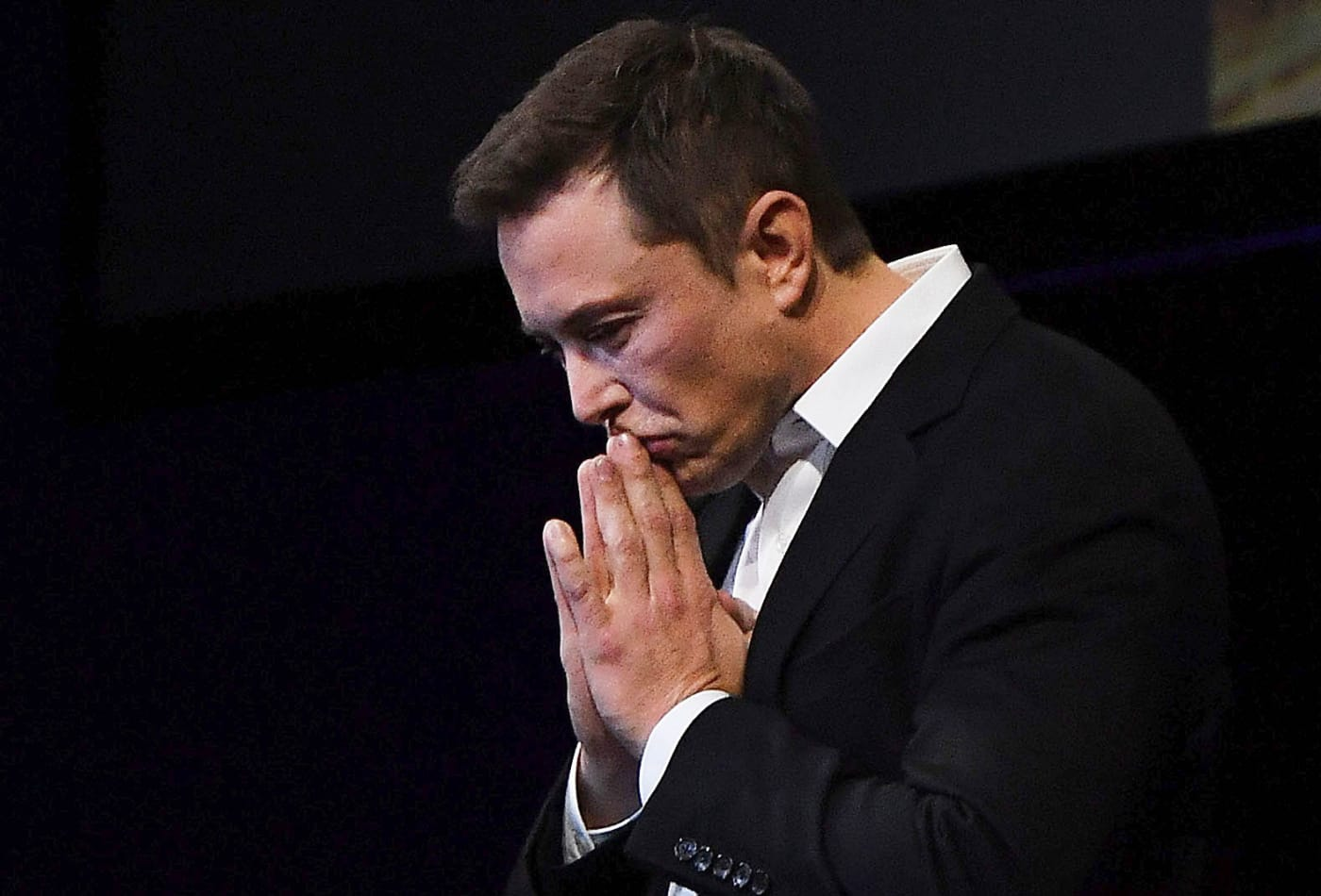 104763989-GettyImages-855370098-elon-musk
